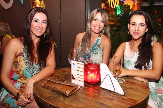 Salete Rebelo, Fabiana dos Santos e Aline Cararo