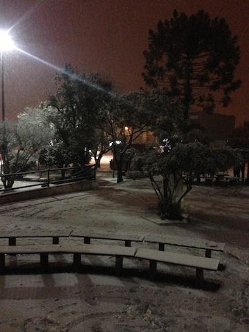 Neve acumulando em Canoinhas, SC